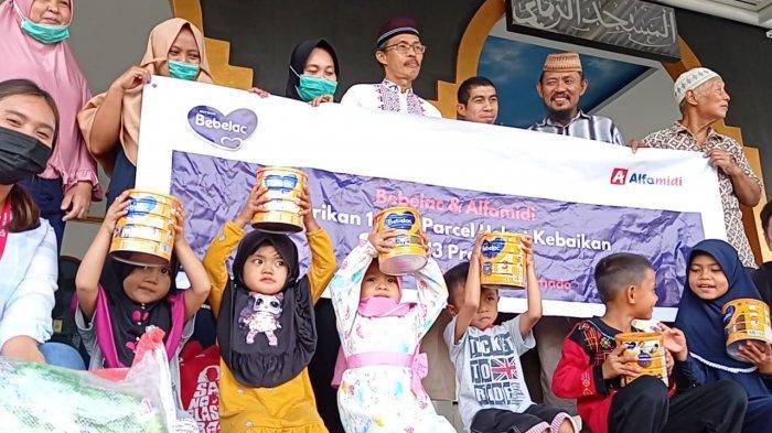Bebelac dan Alfamidi Bagikan 1.000 Paket Hebat Kebaikan di 13 Provinsi