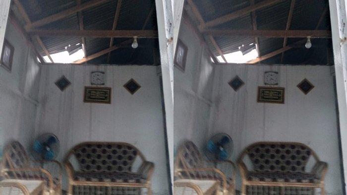 BREAKING NEWS - Angin Ribut Landa Bolsel, Atap Rumah Warga di Kecamatan Tomini Rusak