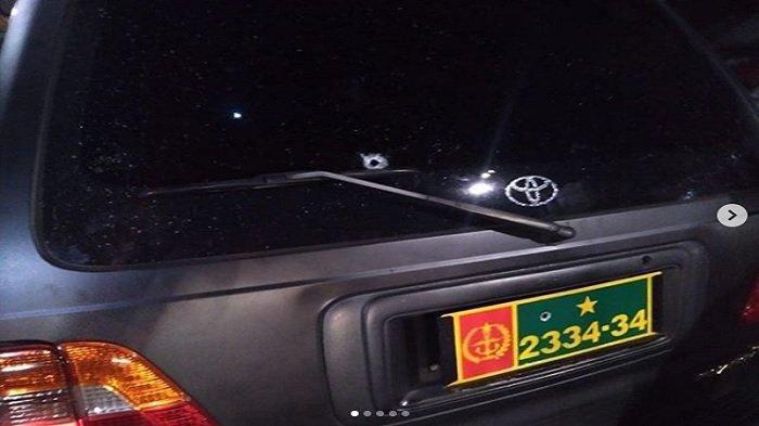 Video Penembakan Anggota TNI di Jatinegara, Ada Beberapa Lubang Bekas Peluru di Mobil Dinas Korban
