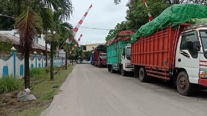 Cuaca Buruk di Talaud, Belasan Truk Pengangkut Hasil Bumi Tertahan di Pelabuhan Melonguane