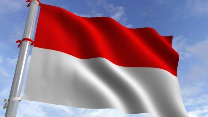 Dua Siswa SMP Ini Hormat Bendera Merah Putih Dengan Cara Lain, Mereka Pun Dikeluarkan Pihak Sekolah