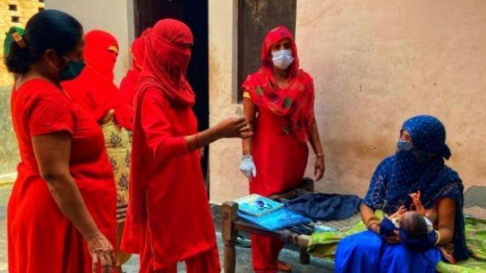 Berikut cerita pilu petugas medis di India saat melacak pasien Covid-19, sampai dipukul dan digigit keluarga pasien.