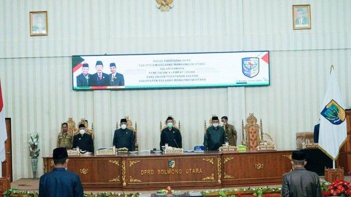 Ikuti Rapat Paripurna Bersama DPRD Bolmut, Bupati Depri Pontoh Teken 4 Ranperda Tahun 2021