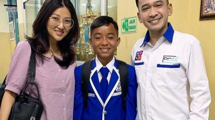 Ruben Onsu dan Sarwendah Bertemu Secara Khusus Dengan Orangtua Betrand Peto di NTT