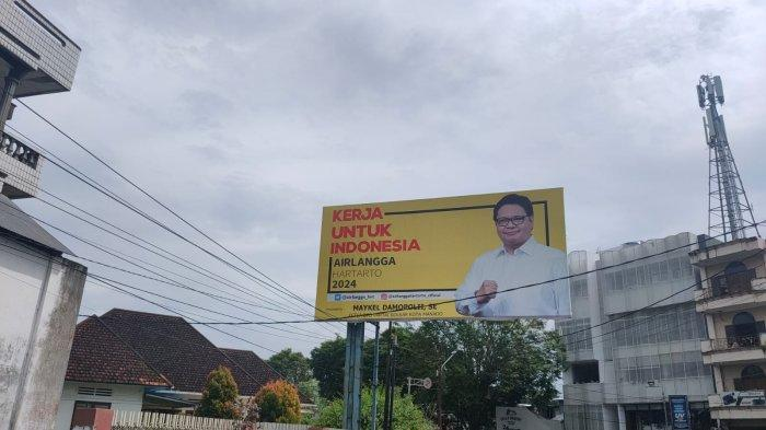 Bilboard Puan-Airlangga-Prabowo Ramai di Kota Manado