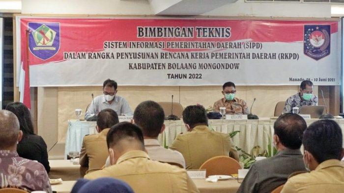 Suasana Bimtek SIPD yang dilaksanakan di Manado.
