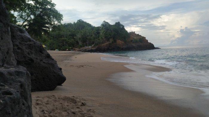 Pesona Pantai Kayuwatu Oki Kakas Minahasa, Sekeping 'Surga' di Pesisir Selatan Sulut