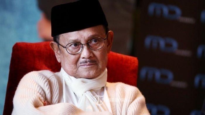 MENGENAL BJ Habibie, Satu-satunya Presiden Indonesia yang Dari Luar Jawa, Ini Profilnya!