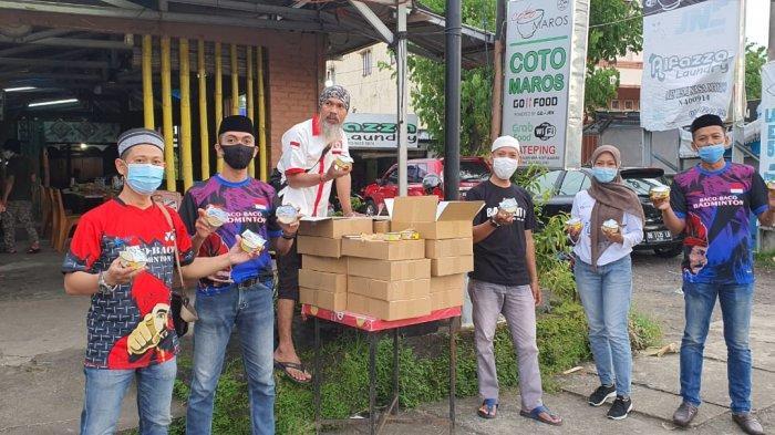 Balai KIPM Manado dan KKSS Mapanget Bagi-bagikan Ratusan Ikan Kaleng ke Pengendara
