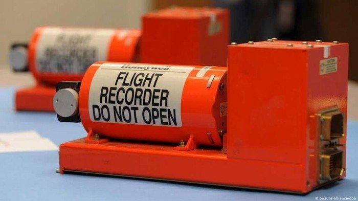 Bisa Ungkap Penyebab Kecelakaan, Ini Cara Kerja Black Box di Dalam Pesawat