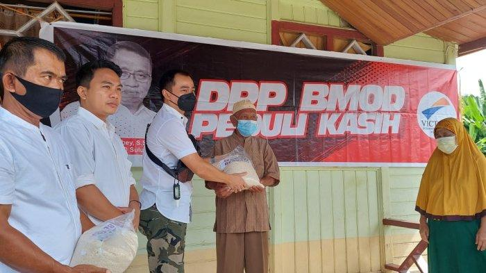 BM-OD Bantu Warga Bolmut Terdampak Covid-19 di Kabupaten Bolmut, Salurkan Paket Beras
