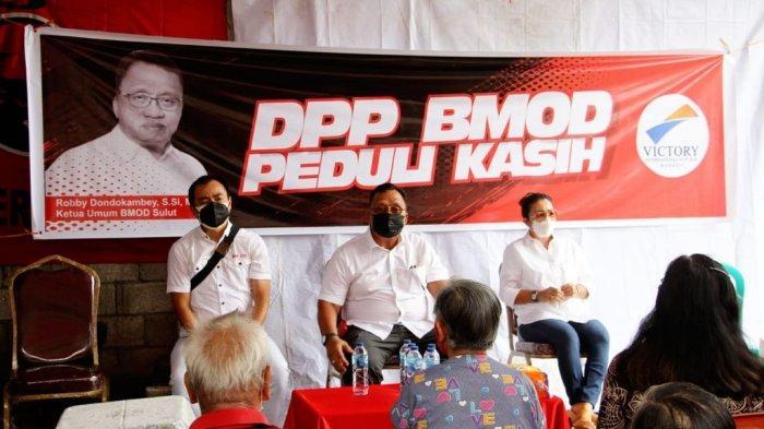 DPP Barisan Militan-Olly Dondokambey (BM-OD) bersama PT Victory International Futures (VIF) menyalurkan sembako kepada para warga lanjut usia