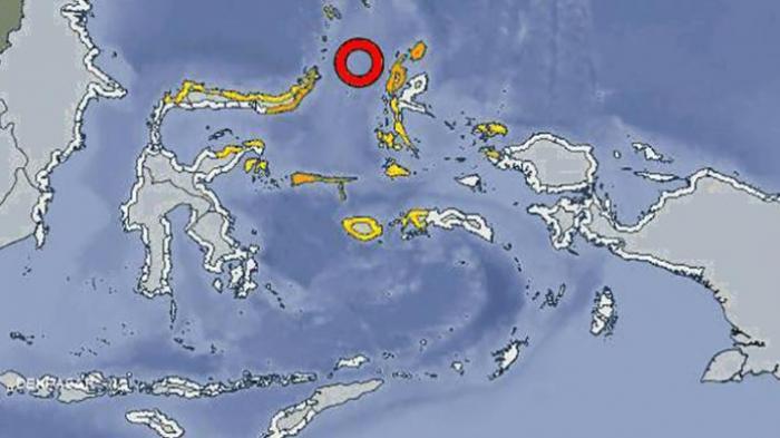 Peta pusat <a href='https://manado.tribunnews.com/tag/gempa' title='gempa'>gempa</a> dan peringatan dini tsunami di Maluku Utara, Sulawesi Utara, Sulawesi Tengah, Gorontalo, dan Maluku akibat <a href='https://manado.tribunnews.com/tag/gempa' title='gempa'>gempa</a>t berkekuatan 7,3 Skala Ritcher, Sabtu (15/11/2014) pukul 09.30 WIB.