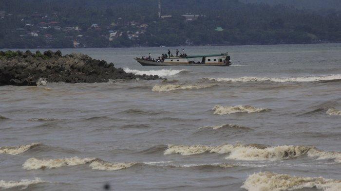 BMKG Sulawesi Utara mencatat bibit Siklon Tropis 94w terbentuk di wilayah Samudra Pasifik. Wilayah Sulawesi Utara (Sulut) pun diminta mewaspadai Banjir bandang. (ilustrasi)