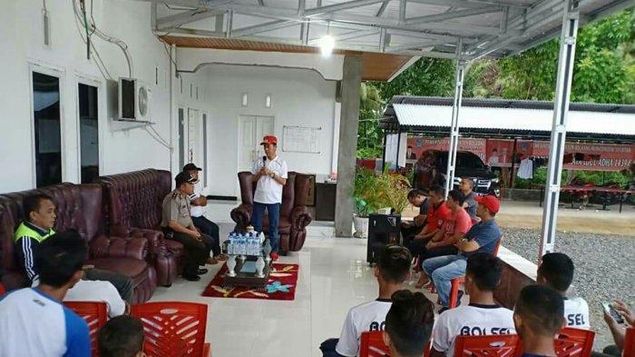 Bupati Iskandar Kamaru Lepas Tim Sepak Bola Bolsel FC ke Turnamen Soeratin Cup