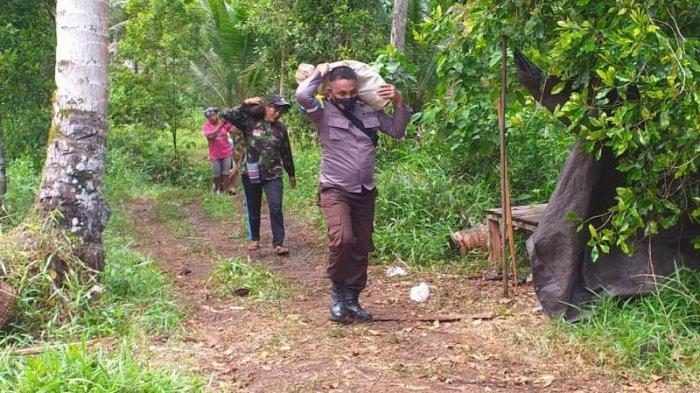 Brigadir Tulong Laksanakan Kerja Bakti Pembuatan Pondasi Gereja di Desa Lahu Kabupaten Talaud