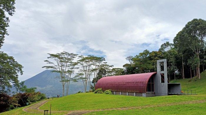 Bukit Doa Kota Tomohon, Sulawesi Utara, saat diabadikan beberapa waktu lalu.