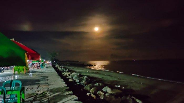 Purnama di Pantai Sondana Bolsel Mampu Bikin Pengunjung Rindu