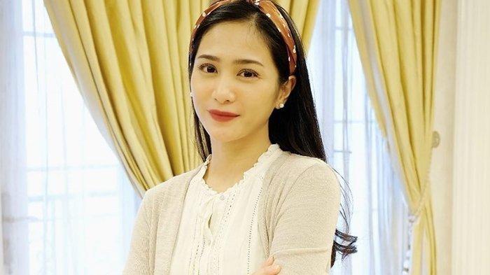 Bunga Zainal Bungkam Nyinyiran Netizen, Kini Pamer Bisnis Pribadi dari Perhiasan hingga Kuliner