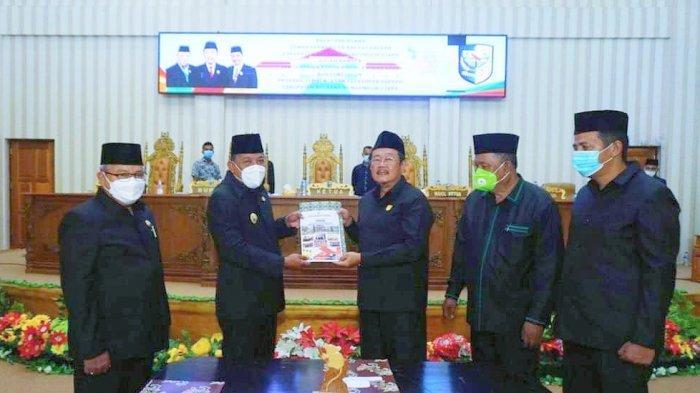 Hadiri Sidang Paripurna DPRD Bolmut, Bupati Depri Pontoh Sampaikan 33 Ranperda Pemkab Bolmut