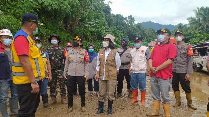 Bupati Bolmong Tinjau Lokasi Longsor di Komangaan