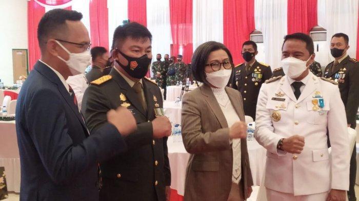 Bupati Bolmong Yasti Soepredjo Mokoagow saat mengikuti HUT TNI ke 76 di Manado.