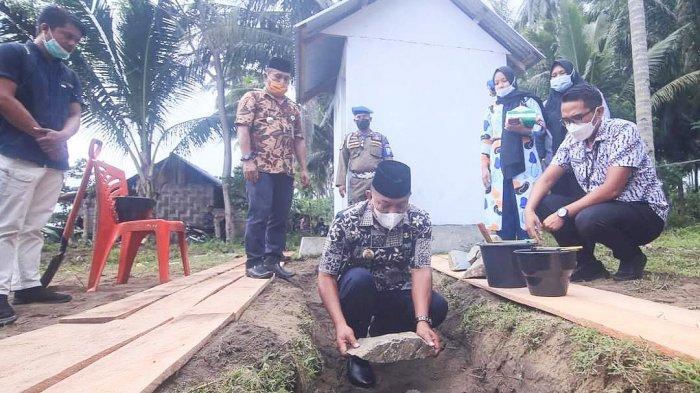 Bupati Bolmut Depri Pontoh Apresiasi Pembangunan Musholla dan Kantor Desa Binjeita Satu