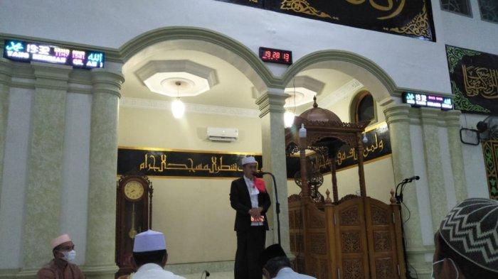 Bupati Bolsel Salat Tarawih di Masjid An-Nur, Ingatkan Tentang Perbuatan yang Mencelakakan Diri