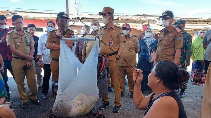 Iskandar Kamaru Beri Bantuan untuk Korban Kebakaran Pasar Tua: Duka di Bitung adalah Duka Bolsel