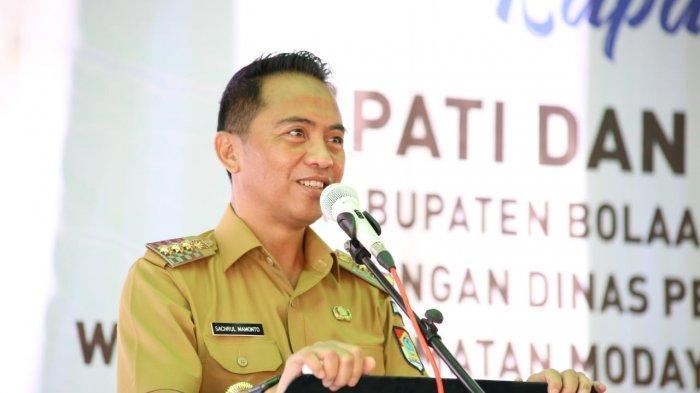 Bupati Boltim Sam Sachrul Mamonto Imbau Guru Tingkatkan Disiplin dan Profesionalitas