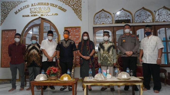 Bupati Evangelian Sasingen Gelar Buka Puasa Bersama Jamaah Masjid Al-Jihad Ulu Siau
