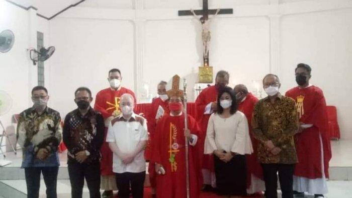 Bupati Sitaro Hadiri Perayaan HUT Paroki Santa Maria Ulu Siau ke-10 Tahun