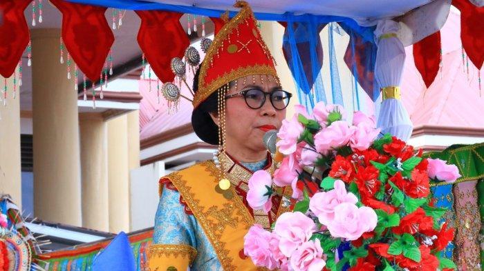 Yasti Soepredjo Mokoagow dan 7 'Kartini' di Kabupaten Bоlmоng
