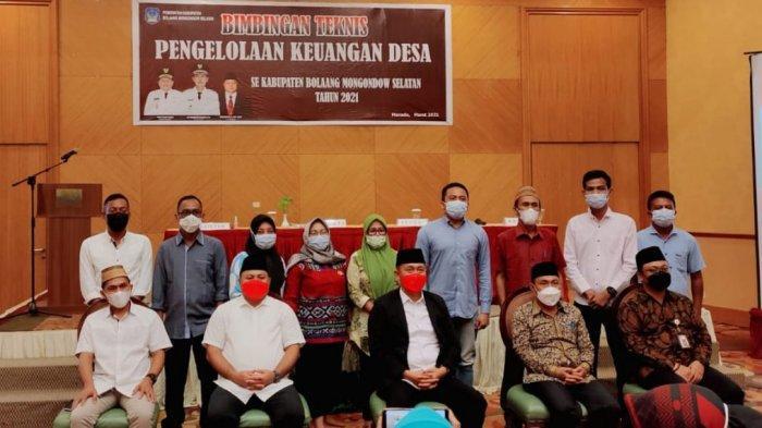 Buka Bimtek Pengelolaan Keuangan, Iskandar Kamaru Minta Dana Desa Harus Transparan