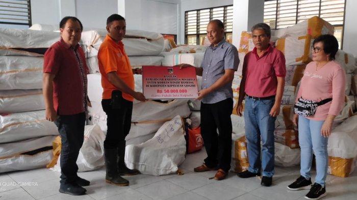 Pemkab Minahasa Serahkan Bantuan Korban Banjir di Jakarta dan Sangihe