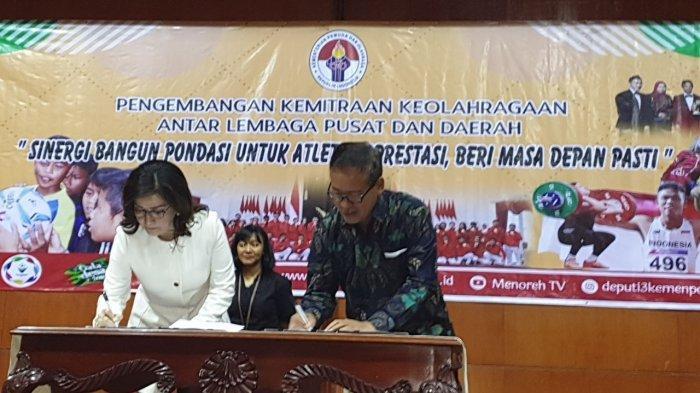 Bupati Paruntu Wakili Pemda se-Indonesia Tanda Tangani Kerja Sama dengan Kemenpora