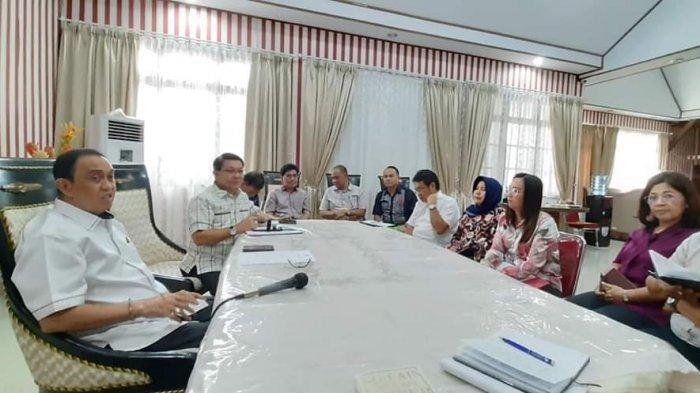 Bupati Roring Minta Perketat Pengawasan Turis Asing dan Penambahan Ruang Isolasi di RS Tondano