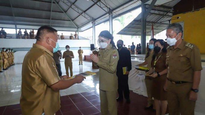 Apel Perdana, Bupati Tetty Paruntu Beri Motivasi untuk ASN