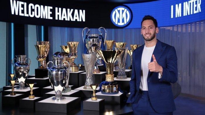 Calhanoglu Bongkar Alasan Tinggalkan AC Milan, Tetapkan Hati Pindah ke Inter Milan