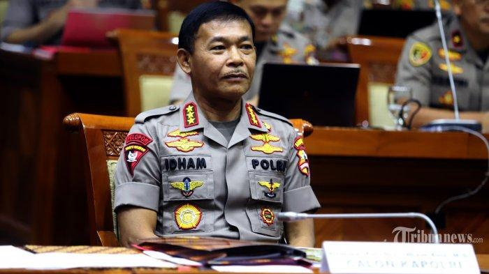 Ibu Peluk dan Doakan Kapolri Baru: Hari Ini Akan Dilantik Presiden Jokowi