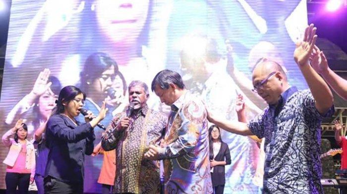 Rangkaian Manado Fiesta Ditutup dengan KKR, Vicky: Inilah Jawaban Tuhan