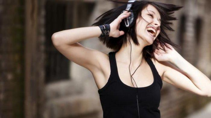 5 Genre Musik yang Cocok Didengarkan Saat Olahraga