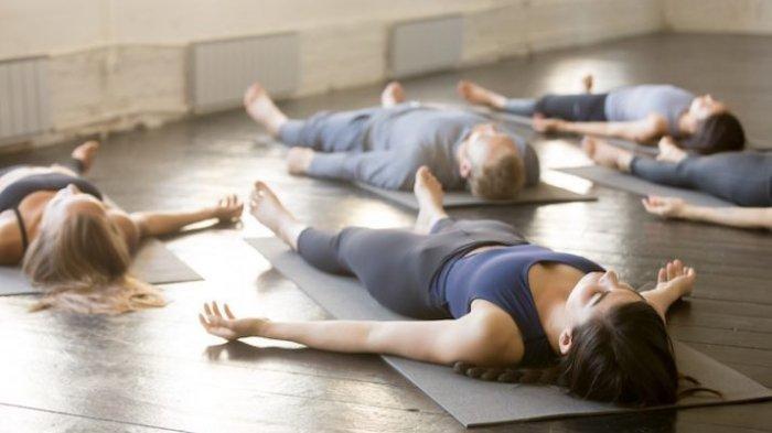 Cara Mengurangi Stres dan Cemasdi Tengah PandemiCovid-19, Lakukan 5 Posisi Yoga Ini!