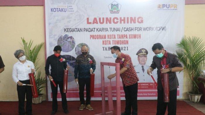 Caroll Senduk Launching Padat Karya Tunai Program Kotaku