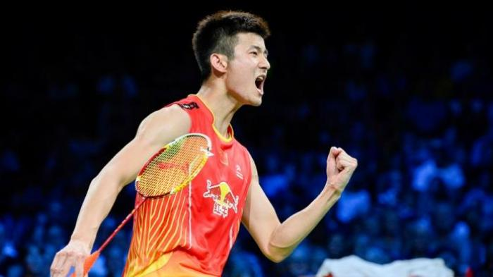 Pebulu tangkis Tiongkok, Chen Long, berteriak merayakan kemenangan atas pemain Indonesia