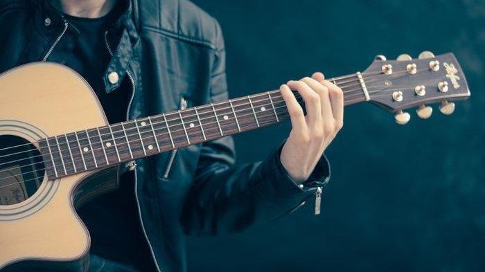 Chord Gitar Lagu Memandangmu - Ikke Nurjanah,Menyapamu, Walau Selalu