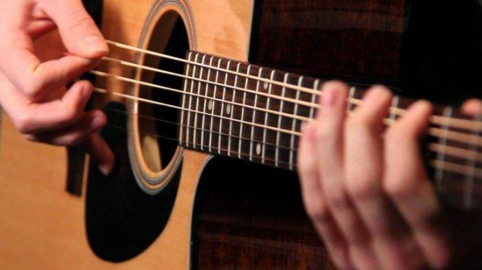 KUNCI Gitar Lagu Sandiwara Cinta - Repvblik: Mudah Dimainkan