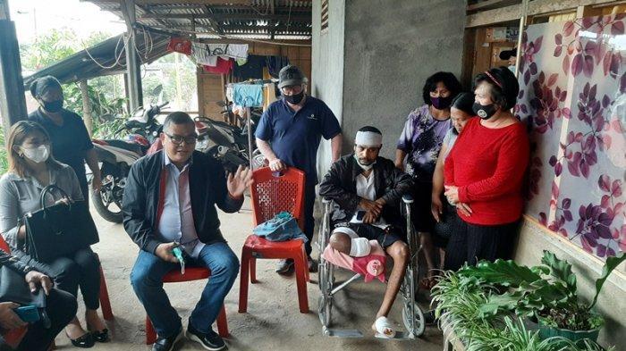 Alami Cacat Seumur Hidup Usai Ditugaskan Pasang Baliho Paslon, Chrissolid Gugat ke Pengadilan