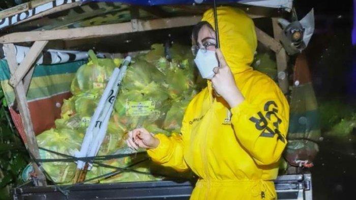 Partai Golkar Sulutdikomando Ketua DPD I Christiany Eugenia Paruntu (CEP)  alias Tetty menyalurkan bantuan bagi korban bencana.