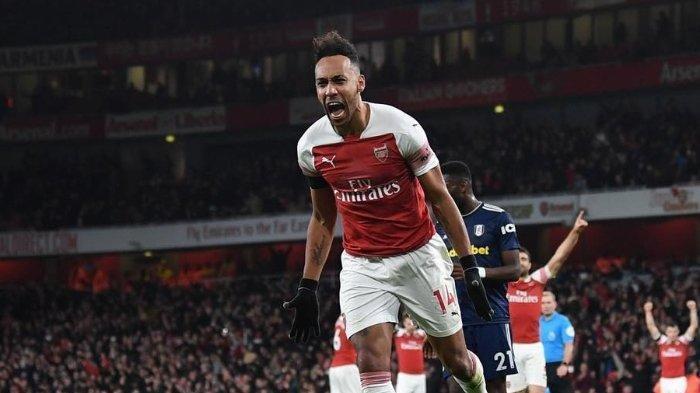 Cuplikan Gol Arsenal vs Everton, 2 Gol Aubameyang Bawa The Gunners Menang 3-2